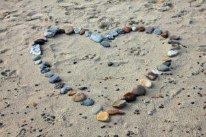 Kartenlegen und die kraftvolle Hilfe der Steine
